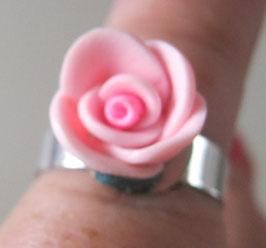 Kleiner rosa Blütenring