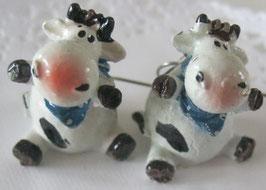 Kuh-Ohrringe mit blauem Halstuch
