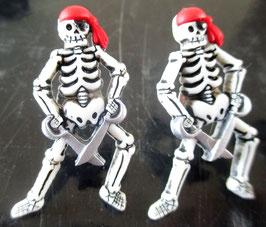 Skelett-Ohrstecker (1)