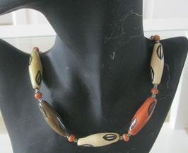 Afrikanische Kette aus Keramik-Perlen