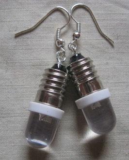 Glühbirnen-Ohrringe