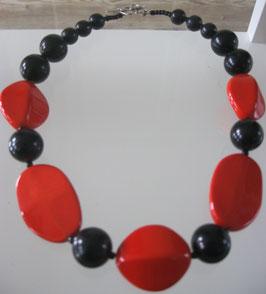 Kette rot-schwarz mit Keramikperlen