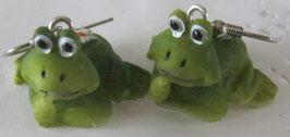 Frosch-Ohrringe sitzend