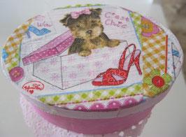 Rosa Schachtel mit Hund