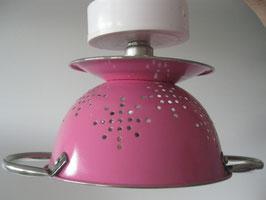 Küchensieb-Lampe rosa