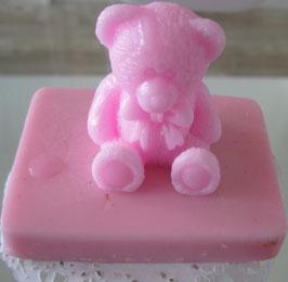 Seife mit rosa Bär