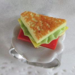 Sandwich-Ring auf Teller