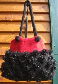 Rot-Schwarze Blütentasche