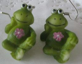 Frosch-Ohrringe mit rosa Blume