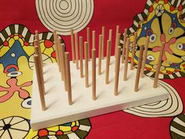 Tischalter für Garnrollen &  die Spulen on top