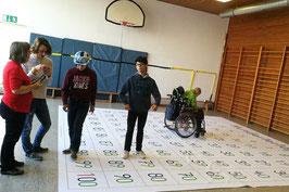 Hundertertafel mit Zahlen - geeignet zum Befahren mit dem Rollstuhl