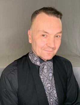 Plastron / Day Cravat / Krawatte Totenkopf