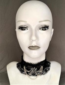 Halsband / Choker Rüschenborte Tüll, Spitze Organza, Satinband mit Schmetterling und Ketten (silberfarben), Glasperlen Breite ca. 6 cm