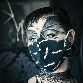 Alltagsmaske / Gesichtsmaske runde Form, schwarz/weiß Fledermaus