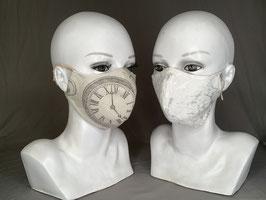 Alltagsmaske / Gesichtsmaske Wendemaske runde Form, creme schwarz, Uhren Steampunk,weißer Jaquard Blumenmotiv