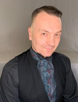 Plastron / Day Cravat  grau bordeaux schwarz Muster