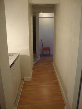 Kleinwohnung € 250,00 mit möblierter Miniküche, Dusche, WC und Schlafgelegenheit - inklusive Heizung und Warmwasser