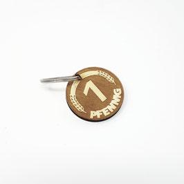 Schlüssel Anhänger aus Holz mit Gravur ( Pfennig)