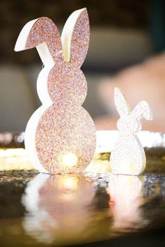 Glitterhase rosa mit LED