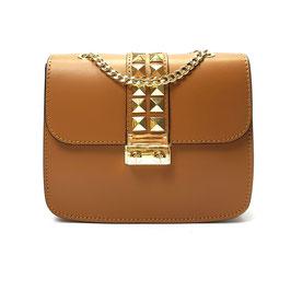 Tasche aus Glattleder mit goldenen Nieten