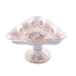 Салатник треугольный на ножке МАДОННА Queens Crown 19 см