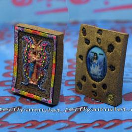 TF 41/01.   Amulet