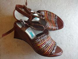 Sandales compensées tressées P.37