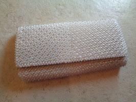Pochette perlée blanche