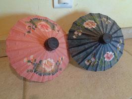 Ombrelles de poupée