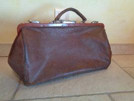 Doctor's bag 1900