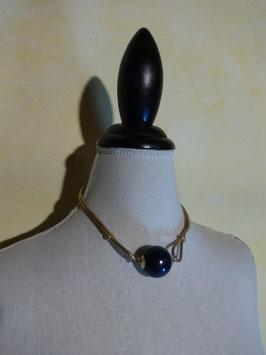 Collier boule bleue