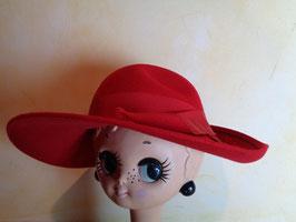 Capeline laine rouge