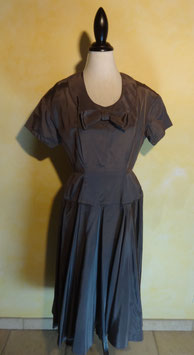 Robe grise 50's T.40
