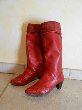 Bottes cuir rouges 80's P.37