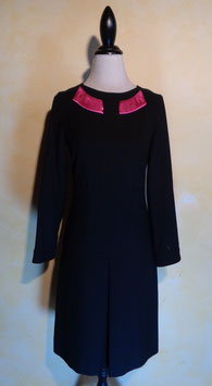 Robe col satin T.38