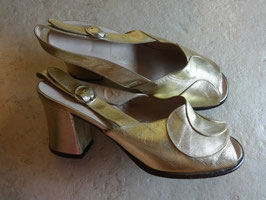 Sandales cuir dorées 60's P.36