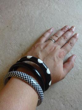 Bracelets pop noirs et blancs