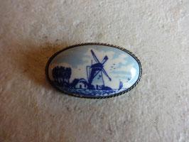 Broche moulin porcelaine