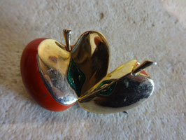 Broche pomme