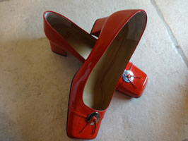Ballerines vernies rouges P.40