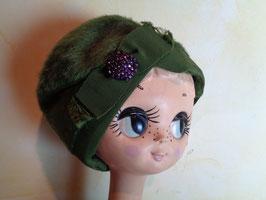 Chapeau vert duveteux