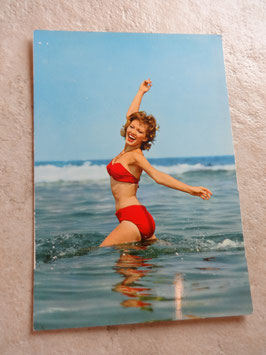 Carte postale Pin Up rouge 60's