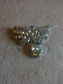 Broche papillon à strass