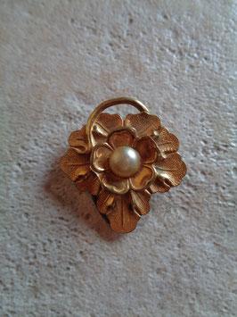 Pince à foulard fleur et perle