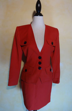 Tailleur rouge Yves Saint Laurent T.40