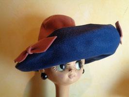 Capeline rose et bleue 40's
