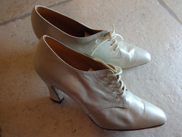 Chaussures chevreau blanches P.37