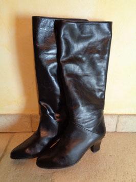 Bottes noires cuir P.36