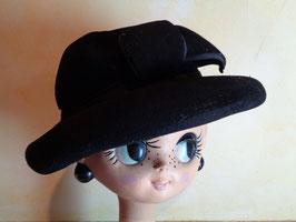 Chapeau noir à noeud 50's