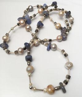 Perlenkette-Abstrakt